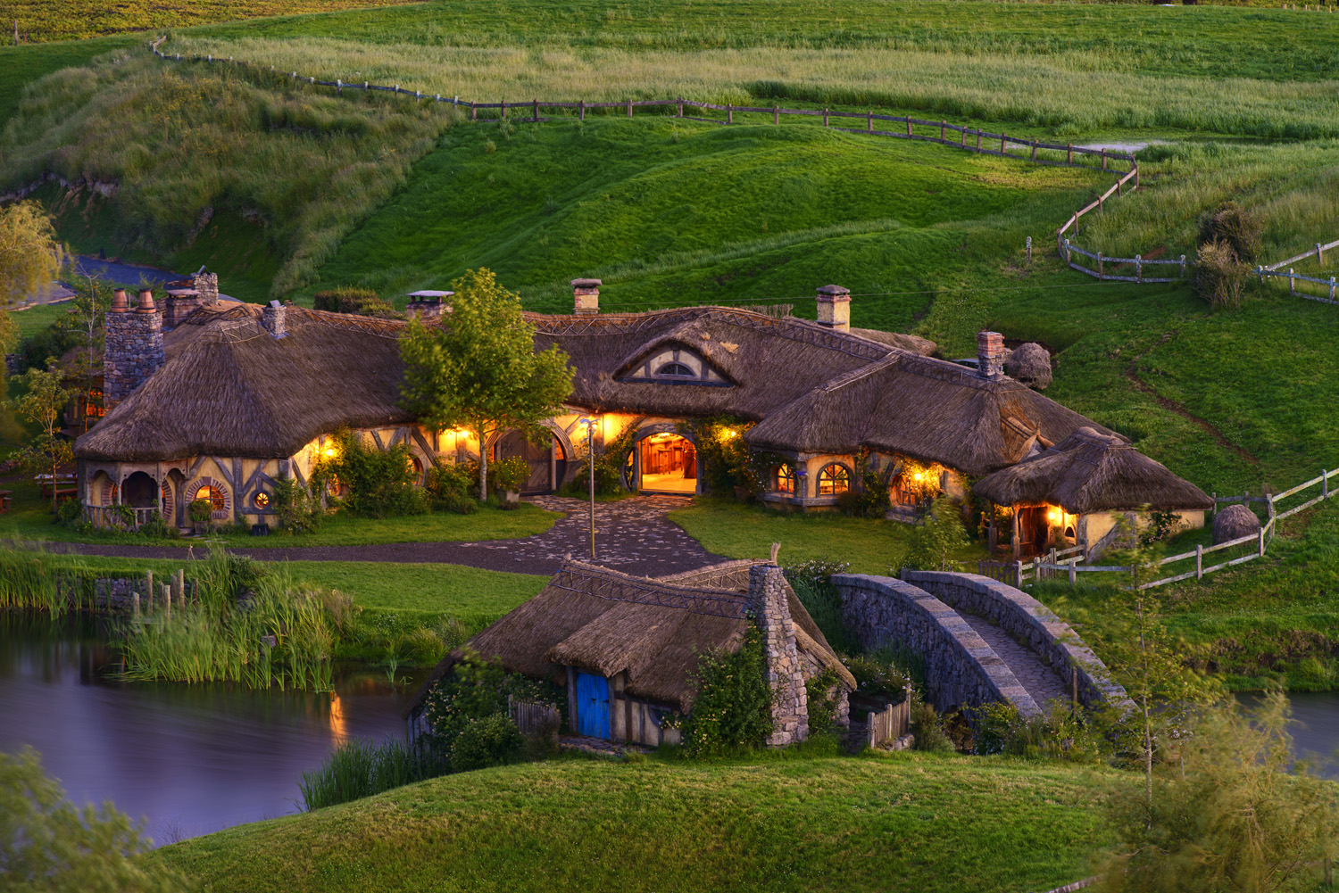 Hobbit self drive tours accommodation with Look After Me