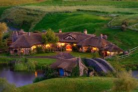 Experience real Hobbiton, LOTR landmarks & stay in hosted Look After Me accommodation